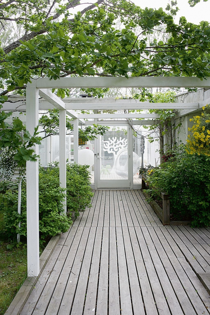84 Backyard Decoration Ideas for Transform Your Backyard with A Quality Wood Pergola or Arbor 6399