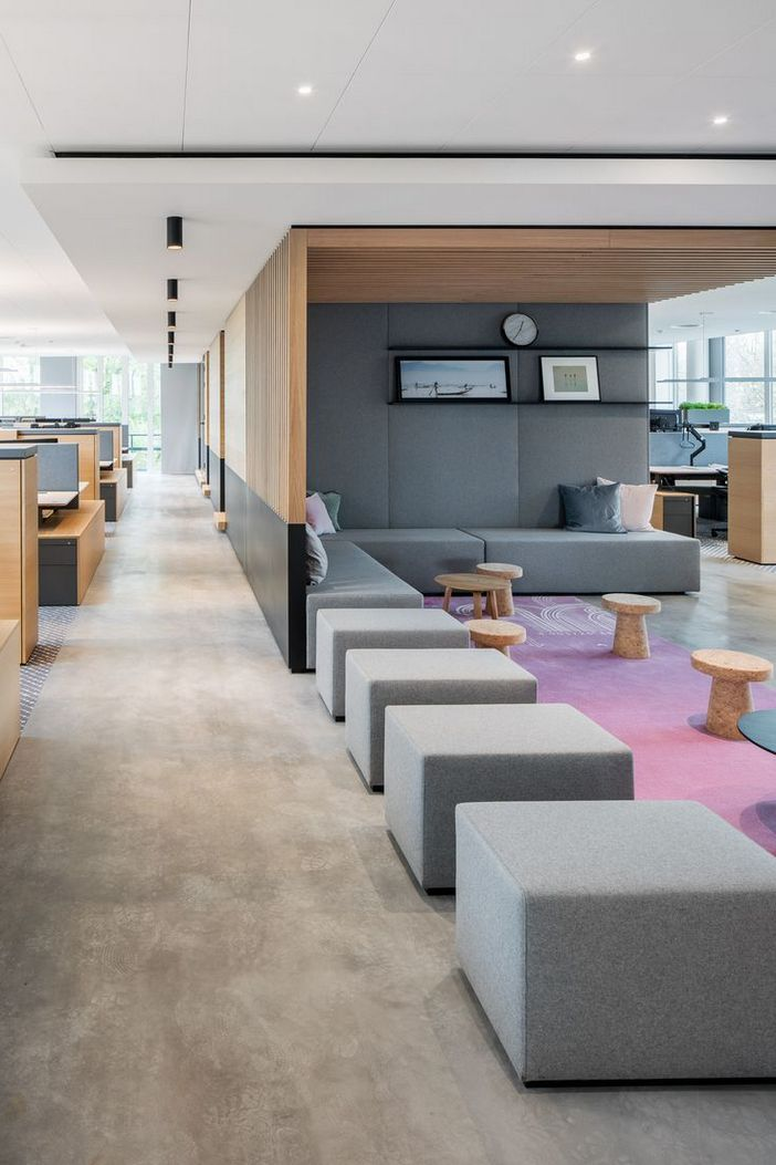 95 Modern Office Decorating Ideas With Inspiring Furniture To Add Style And Functionality To Your Workplace 63