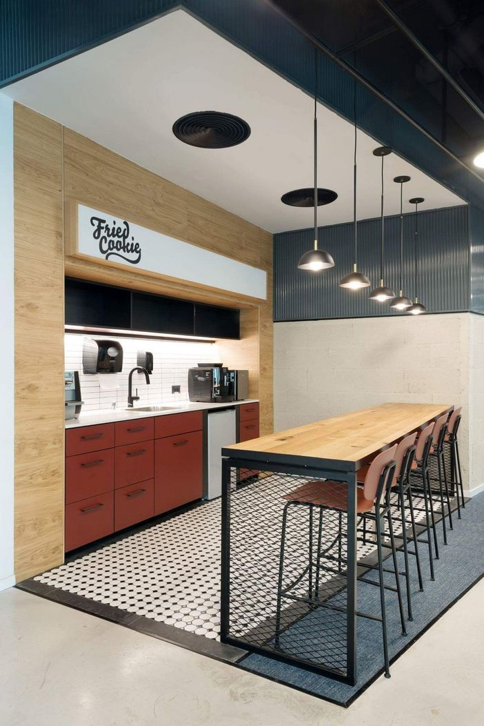 95 Modern Office Decorating Ideas With Inspiring Furniture To Add Style And Functionality To Your Workplace 7