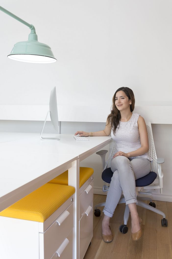 95 Modern Office Decorating Ideas With Inspiring Furniture To Add Style And Functionality To Your Workplace 85