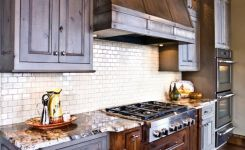 92 Models Of Cherry Kitchen Cabinets Are A Classic Alternative Choice To Meet Your Home Decor 29