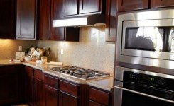 92 Models Of Cherry Kitchen Cabinets Are A Classic Alternative Choice To Meet Your Home Decor 55