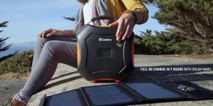 portable-solar-battery-charger