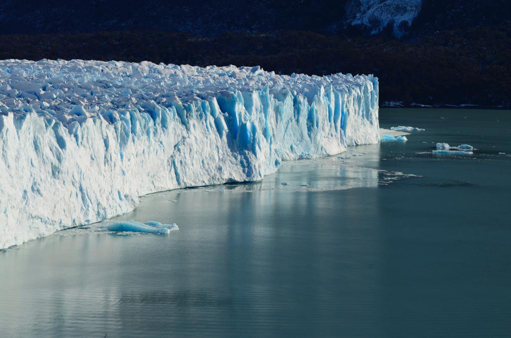 Scientists 'Stunned' as Earth Loses 28 Trillion Tonnes of Ice in 30 Years
