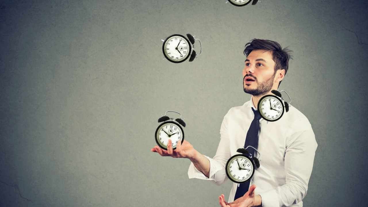 How to organize your time effectively? In this post,you will find 6 practical tips that will help to manage your time effectively and get stuff done faster.