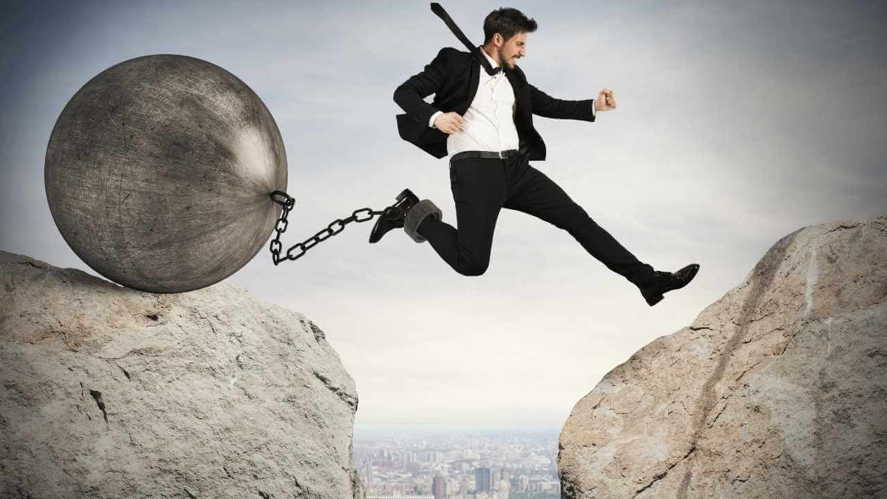 How to overcome obstacles in life and achieve your goals. In this post, you will find 5 powerful and unique to cope better with obstacles in life.