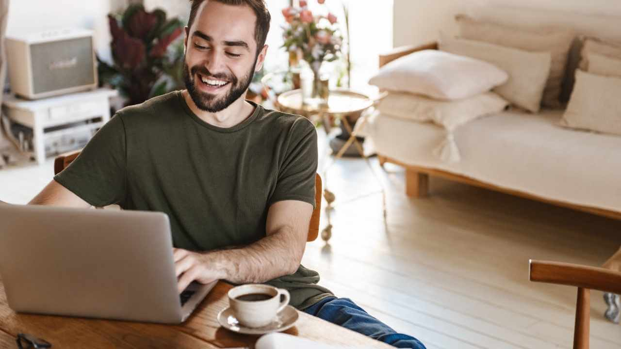 how to stay productive while working from home? In this post I'm sharing 5 powerful techniques to remain prodcutive while working from home.