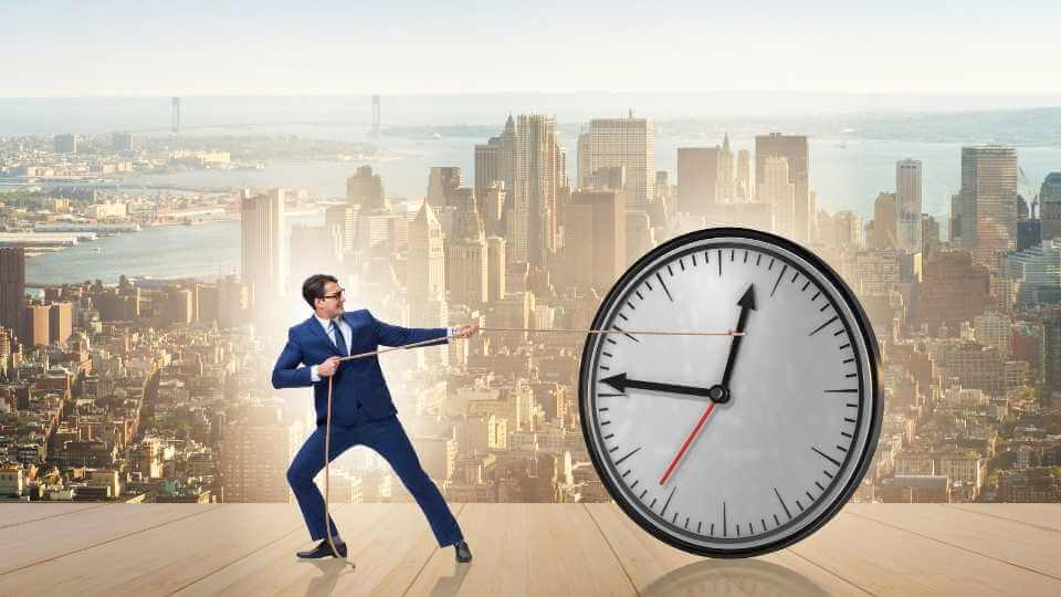 how to manage your time and get more done? In this long post, I'm sharing with you practical ideas and tools that will help you to manage your time well.