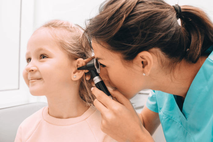 Best Otoscopes 2019 – Reviews & Buying Guide