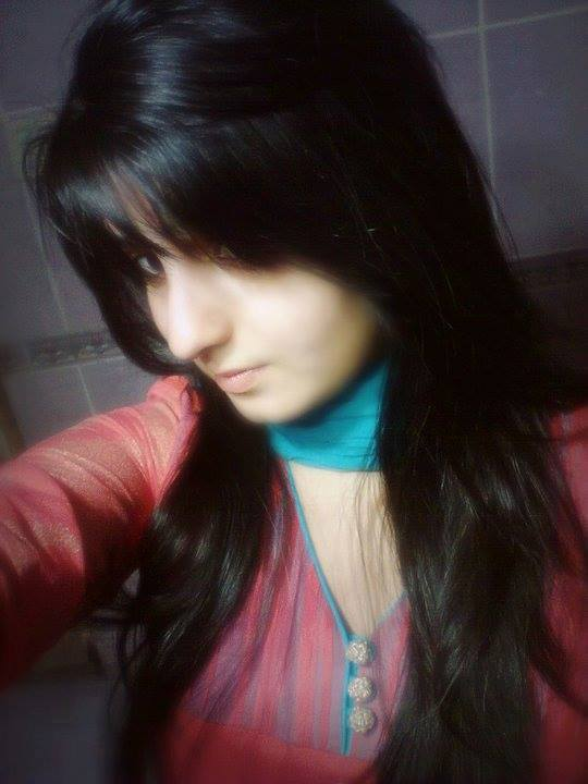 hot and stylish girls facebook dp's