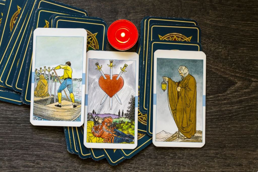 Is It Possible to Do a Tarot Reading on Yourself?