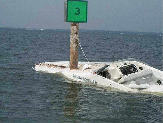 Lake Norman speed-boat-hits-pole