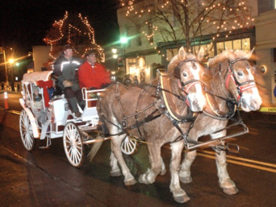 Horse drawn carriage at Christmas in Davidson's 3-evening celebratiion