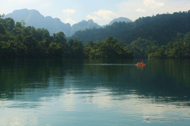 kayaking-cheow-larn-lake-khao-sok-thailand
