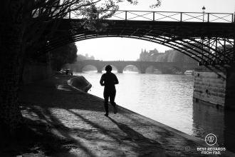 Morning run alon the right bank, Paris