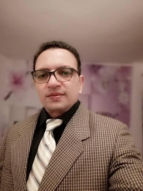 الدكتور النفسي عماد علي الروبي