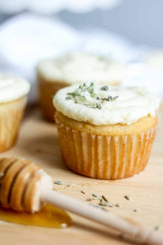 lavendar-vanilla-cupcake-with-honey-buttercream15