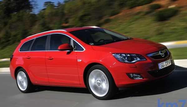 Italy Station Wagons March 2012: Opel Astra back in pole position