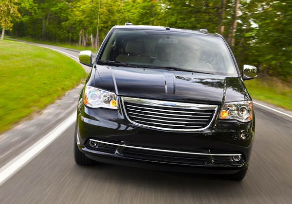 Chrysler Town & Country World 2012