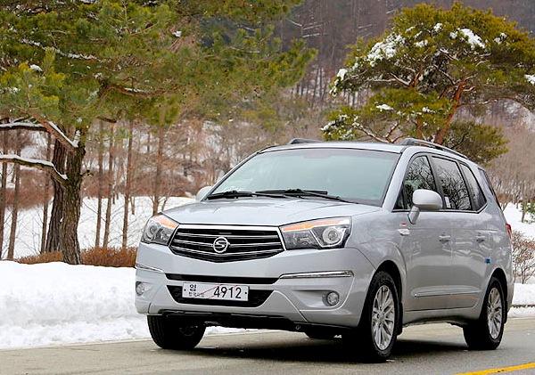 SsangYong Korando Turismo South Korea February 2013. Picture courtesy of Global Auto News
