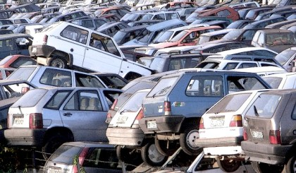Car scrappage in Italy. Picture courtesy of Flickr