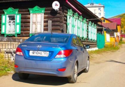 3 Hyundai Solaris