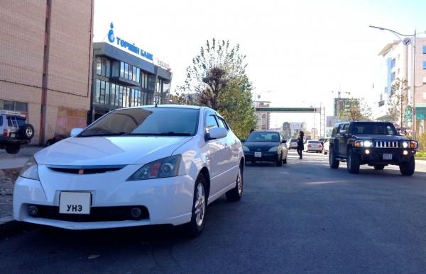 7c Toyota Will VS Hummer