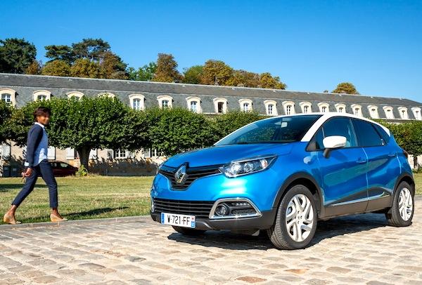 Renault Captur France September 2013. Picture courtesy of largus.fr