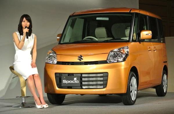 Suzuki Spacia Japan October 2013. Picture courtesy of Response
