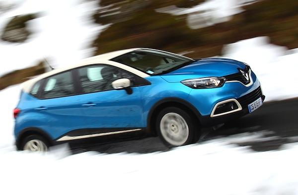 Renault Captur France November 2013. Picture courtesy of automobile-magazine.fr