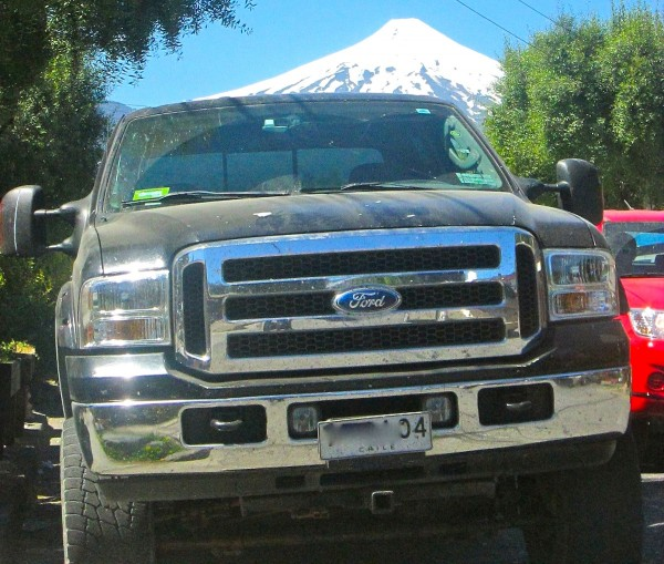 Ford F-250 Chile Calbuco volcan December 2013