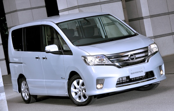 Nissan Serena Malaysia 2013. Picture courtesy of greenerideal.com