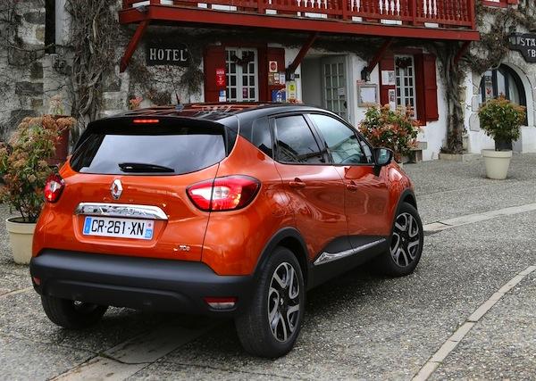 Renault Captur UK March 2014