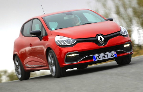 Renault Clio France March 2015. Picture courtesy of automobile-magazine.fr