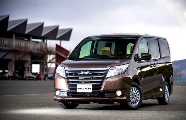 Toyota Noah Japan March 2014. Picture courtesy of response.jp