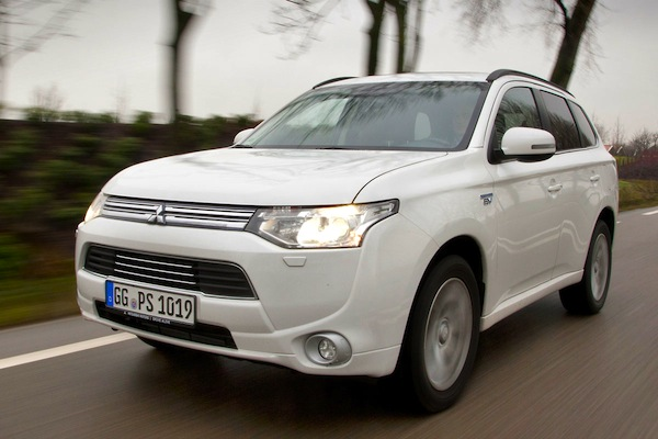 Mitsubishi Outlander PHEV Sweden June 2014. Picture courtesy of autoweek.nl