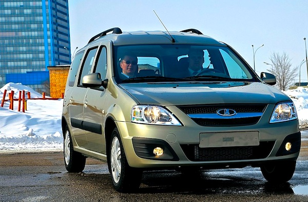 Lada Largus Russia May 2014. Picture courtesy of zr.ru