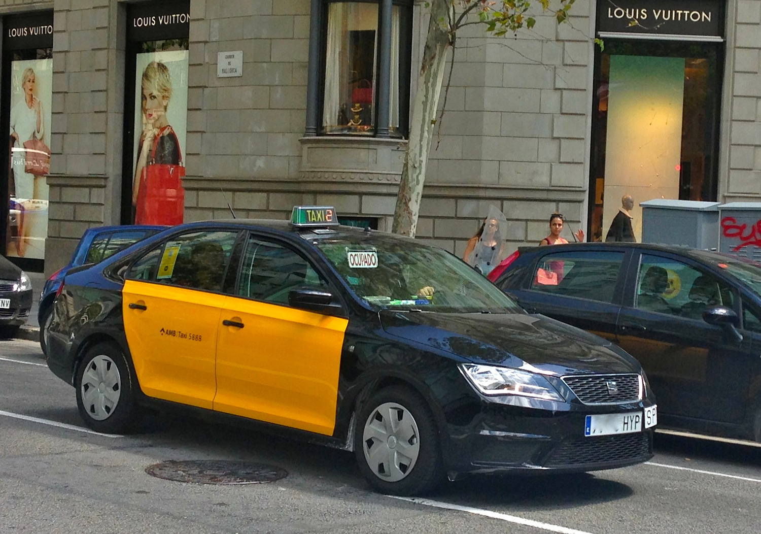 Spain august 2014 barcelona photo snapshot best selling cars blog - Cab in barcelona ...