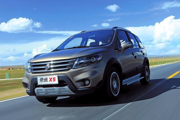 Dongfeng Joyear X5 China July 2014. Picture courtesy of chewen.com