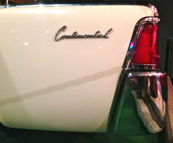 10. 1962 Lincoln Continental detail 2