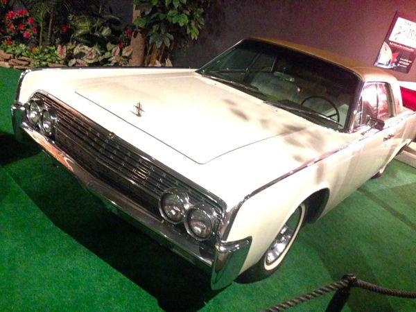 8. 1962 Lincoln Continental