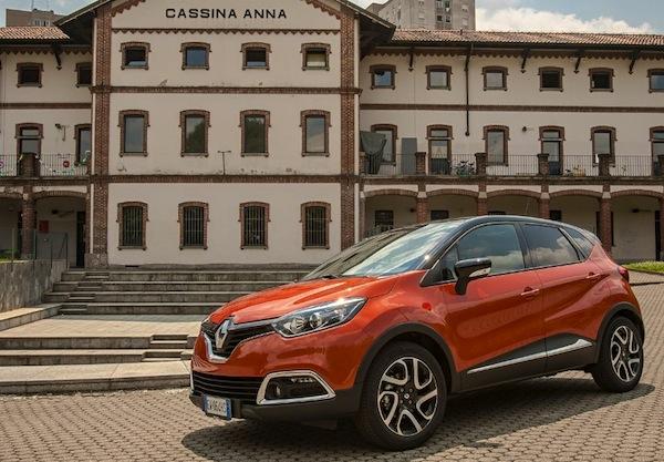 Renault Captur Italy November 2014. Picture courtesy of quattroruote.it