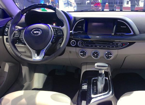 56.GAC Trumpchi GA8 interior 2