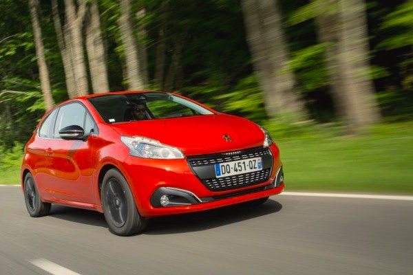 Peugeot 208 Denmark September 2015. Picture courtesy auto-moto.com