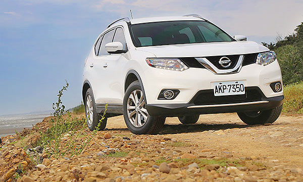 Nissan X-Trail Taiwan June 2015. Picture courtesy u-car.com.tw