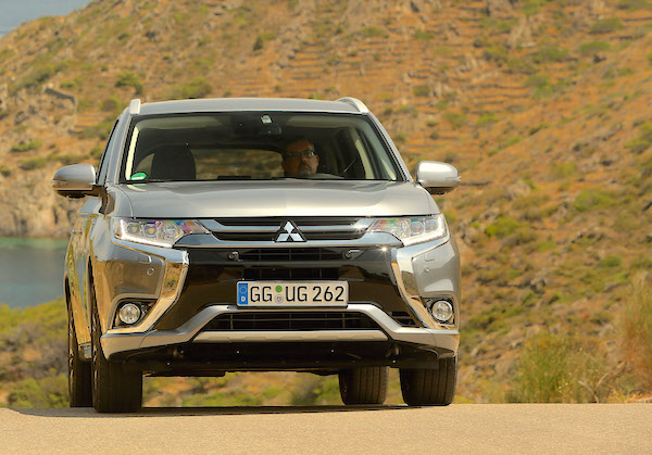Mitsubishi Outlander Norway 2016