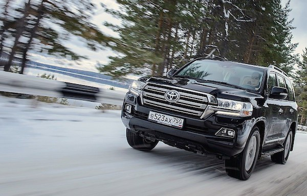 Toyota Land Cruiser 200 Russia January 2016. Picture courtesy zr.ru