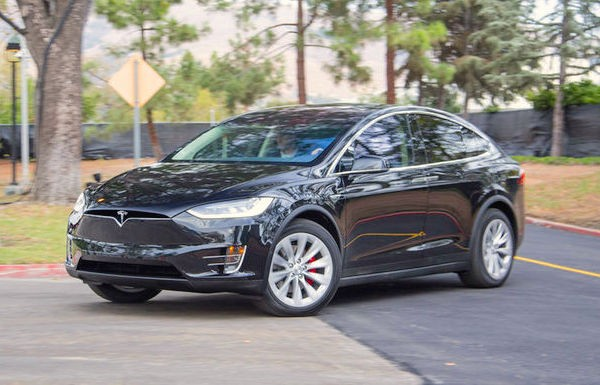 Tesla Model X USA December 2015. Picture courtesy motortrend.com
