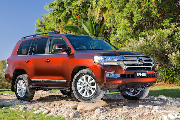 Toyota Land Cruiser Bahrain 2015b