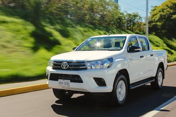 Toyota Hilux Argentina September 2016. Picture courtesy autocosmos.com.mx